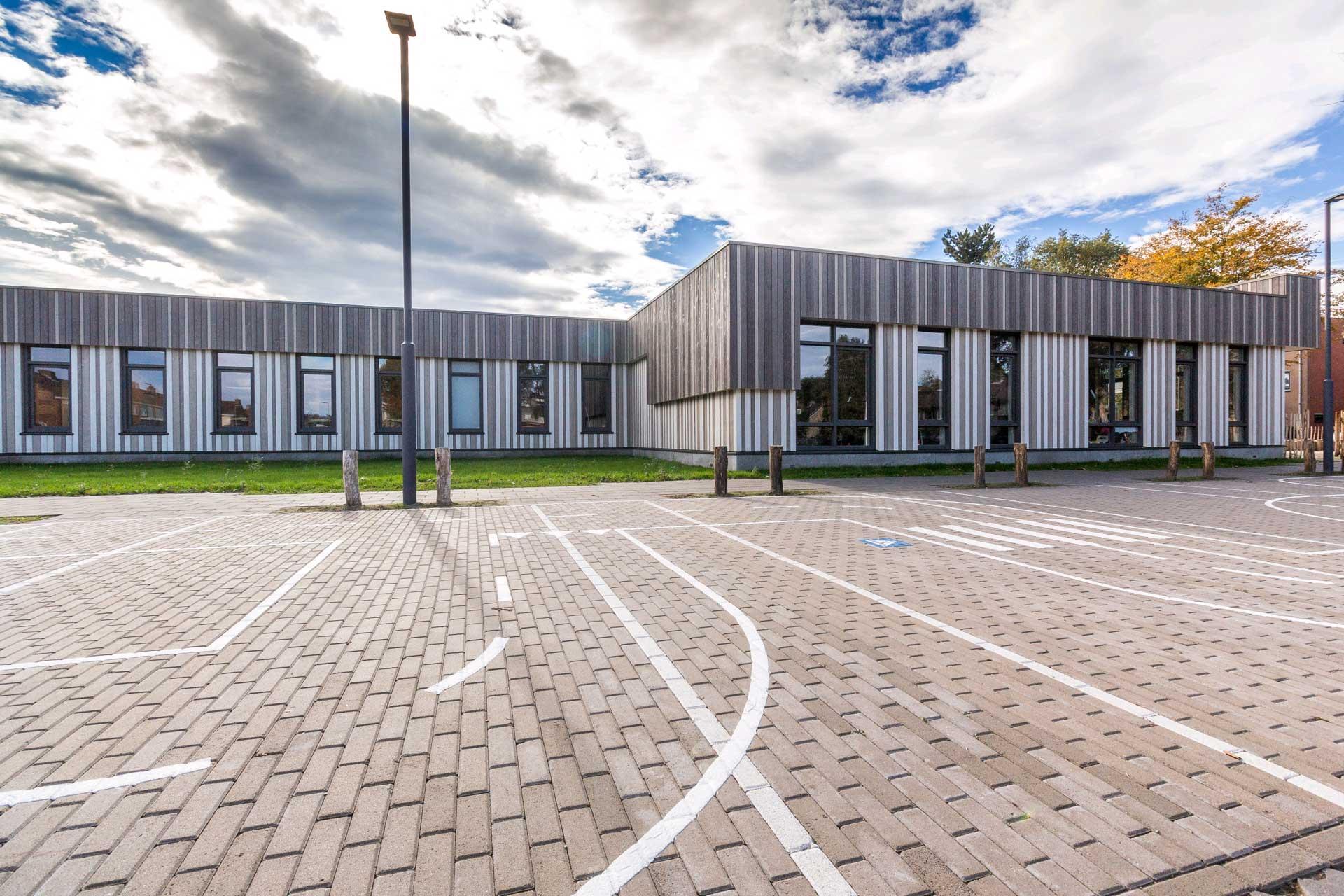 Schoolgebouw KPO SBO De Sponder en SO De Fakkel, Zonneboom, Roosendaal, SoulWood Special Colour, houten gevelbekleding, BVR, schoolgebouw, Douglas